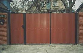 Ворота распашные из профнастила N 4