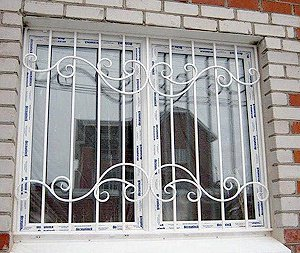 Установка решеток на окна в Киеве недорого