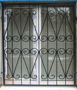 Установка решеток на окна в Киеве